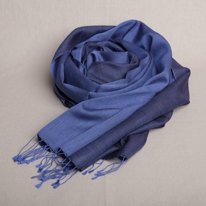 "Schal handgewebt 100 % Seide ""Blau/Indigo"" Double Faced aus Nepal - Maheela"