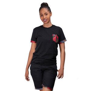 Africulture T-Shirt mit Brusttasche in Kitenge Design - Africulture