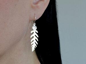 Edelfarn Ohrringe mit Farn-Blättern versilbert - renna deluxe