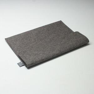 Notebook-Tasche Filz 13'' von tuchmacherin, Laptophülle Filz, graubraun-meliert - tuchmacherin - handgewebtes design + filz