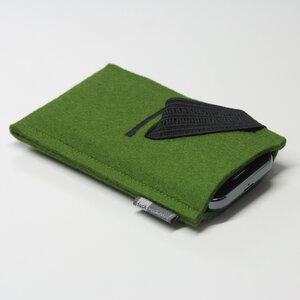 Handyhülle Filz von tuchmacherin, Smartphone-Hülle, Filzhülle Handy grün - tuchmacherin - handgewebtes design + filz