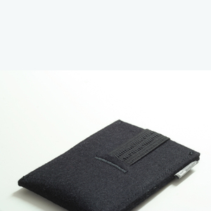 Handyhülle Filz von tuchmacherin, Smartphone-Hülle, Filzhülle Handy, schwarz - tuchmacherin - handgewebtes design + filz