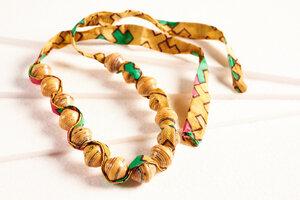 """Halskette aus Papierperlen mit Stoffband """"SONGKY CLOTH"""" - PEARLS OF AFRICA"""