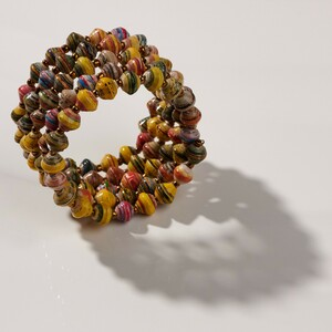 "Kreolenarmband aus Papierperlen ""VIVA BANGLE"" - PEARLS OF AFRICA"