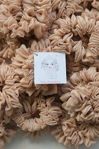 Scrunchie - Haargummi aus Kunstseide - Vera Shashkova
