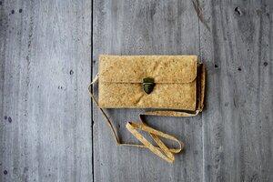 Handtasche - Cork, Vegan , Clutch aus Kork mit Druckverschluss  - BY COPALA