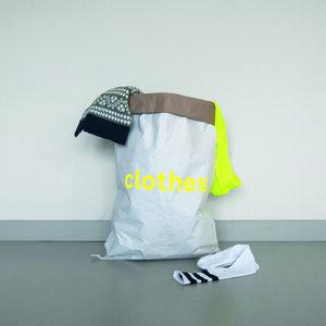 Kleider-Sack aus Altpapier - Kolor