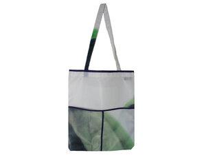 Edler Beutel aus grüner Werbeplane, lila eingefasst, Upcycling von Leesha - Leesha