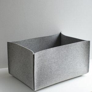 Großer Filzkorb hellgrau-meliert 5 mm 25x35x50 von tuchmacherin Aufbewahrung Filz - tuchmacherin - handgewebtes design + filz