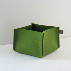 Filzkorb oliv-grün 3 mm 14x22x22 von tuchmacherin Aufbewahrung Filz - tuchmacherin - handgewebtes design + filz