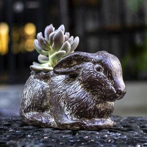 Blumentopf aus Ton, Hase sitzend - Mitienda Shop