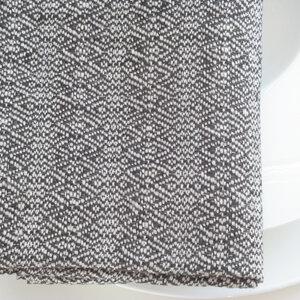 Stoffserviette aus reinem Leinen in Natur und Anthrazit.  - tuchmacherin - handgewebtes design + filz