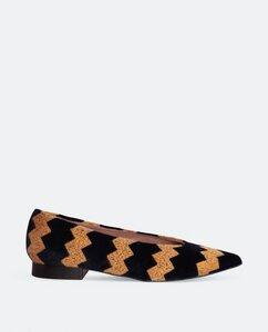 ZigZag vegan- Veganer, nachhaltiger und ethischer Modeschuh Made in Spain. Vegane Wollstickerei auf 100% schwarzer Samtbaumwolle - Momoc shoes