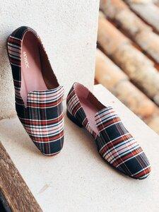 Mantelata Noir vegan- Veganer, nachhaltiger und ethischer Modeschuh Made in Spain. Hergestellt aus recycelten Materialien. - Momoc shoes