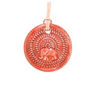 Schmuck aus Keramik, Medaillon Elefant, Lotus und Lebensbaum - Schönes aus Indochina