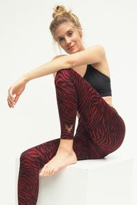Yoga Leggings Ganga 7/8 - Grape Zebra - Kismet Yogastyle