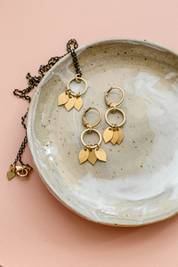 "Ohrring ""AIANA"" aus Messing in Gold - ALMA -Faire Streetwear & Schmuck-"