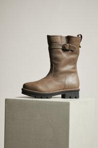 Stiefel mit Schnalle aus vegetabil gegerbtem Leder - LANIUS