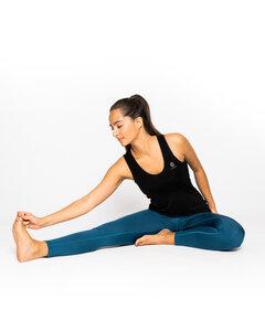 "Yoga Top aus 100% Lyocell TENCEL® in schwarz ""True"" - VIDAR Sport"