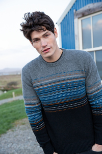 Jaquard Wollpullover mit Rundhalsausschnitt in grau/schwarz - Fisherman out of Ireland
