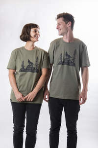 "Unisex T- Shirt  ""ELFrei"" in mid heather khaki - ecolodge fashion"