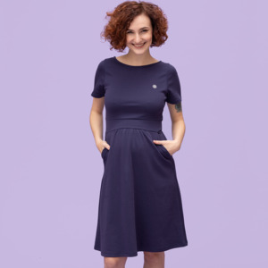 Umstandskleid kurzarm in dunkelviolett aus TENCEL und Bio-Baumwolle - stillfashion