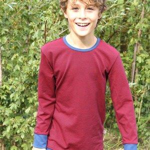 "Buben Langarm-Shirt aus Bio-Baumwolle ""Ringeljersey Dunkelblau-Rot"" - Cheeky Apple"