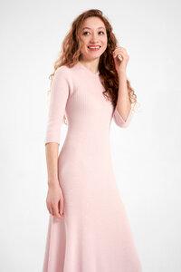 Strickkleid in hellem pink aus 100% exrafeiner Merinowolle - t7berlin