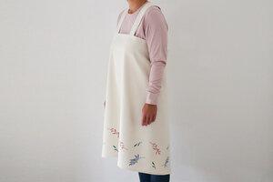 """Japanische Schürze """"Zarte Blumen"""" handbedruckt - luscinia"""