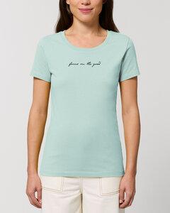 """Bio Damen Rundhals-T-Shirt """"Focus on the good"""" aus Bio-Baumwolle - Human Family"""