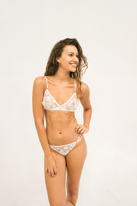 Chloe Triangel Bralette - Nette Rose