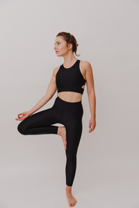 "Damen Leggings aus ECONYL ""Walk Free"" Besonnen Mindful Yoga Fashion - BESONNEN"