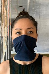 Gesichtsbedeckung mit Bund - Kollateralschaden