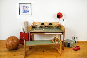 Kindertisch mit Utensilo und Bank - HipHip-Hurra