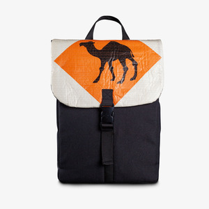 Flap Rucksack aus recyceltem PET Stoff, Polyester & Zementsack - Elephbo