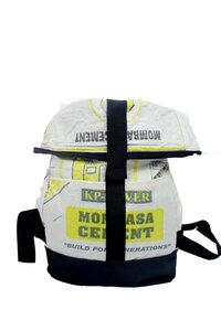 Umhängetasche | recycelt aus Zementsäcken | 2 in 1 Rolltasche und Rucksack in Größe M - Nyuzi Blackwhite