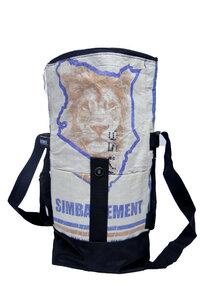 Umhängetasche | recycelt aus Zementsäcken | 2 in 1 Rolltasche und Rucksack in verschiedenen Farben in Größe S - Nyuzi Blackwhite
