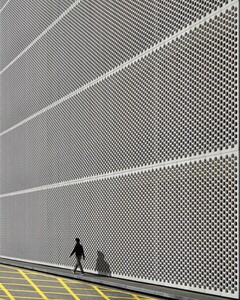 Moving on - Poster von Roc Isern - Photocircle