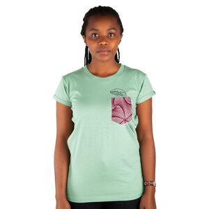 """Damen T-Shirt aus Bio-Baumwolle mit Brusttasche  """"Taschenwal"""" Mintgrün - Kipepeo-Clothing"""