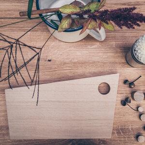Frühstücksbrettchen aus Holz MÜÜSKEN - Holzbrettchen mit Eierloch - Herr Lars Möbelmanufaktur