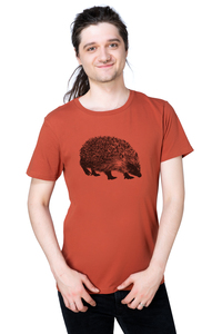 "Bio- & Fair-Trade-Männershirt ""Igel"" rostrot - Hirschkind"