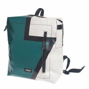 Rucksack Daniel aus recycelter LKW-Plane - Rebago