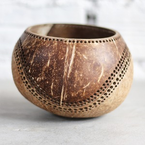 Kerzenhalter aus Kokosnuss Motiv Maya - Balu Bowls