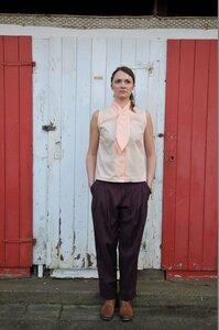 Bluse ohne Arm, mit Krawatte (Apricot) - käufer (d) sein