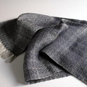Schal aus Naturleinen und Merinowolle blau handgewebt - tuchmacherin - handgewebtes design + filz