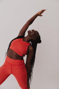 Damen ECONYL® Bustier 'Shape My World' Besonnen Mindful Yoga Fashion - BESONNEN