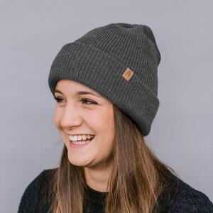 Warme Mütze aus 100 % Schurwolle - Z Kopytem