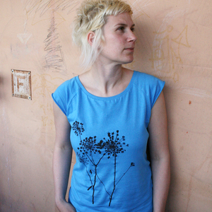 Bio-& Fair-Trade-Frauenshirt 'Schierling' hellblau - Hirschkind