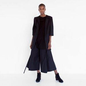 Moderner Anzug aus Bio-Baumwolle - Natascha von Hirschhausen