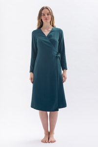 Minimalistisches Wickelkleid *MA-LAA* aus 100% Tencel in blau oder petrolgrün - Studio Hertzberg